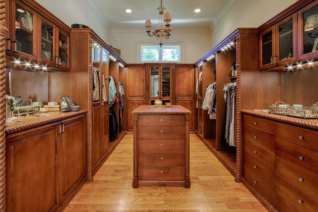 mansion master closet. View This Mansion Home On Mansion-homes.com Master Closet O