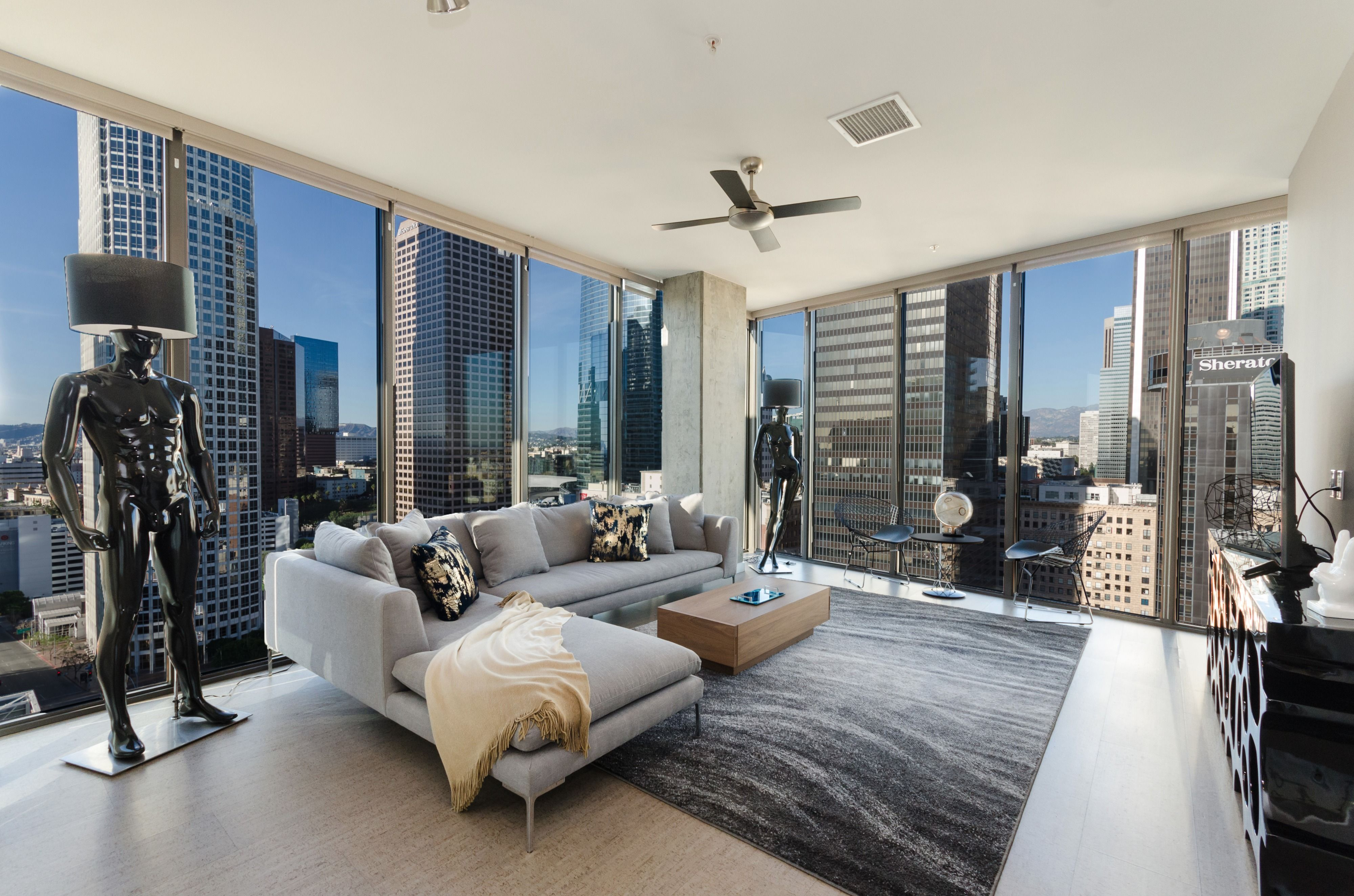 Check Out This Great Off Site Space On Peerspace Com Top Level Photoshoot Penthouse In Los Angeles Penthouse Living Apartment View Luxury Apartments