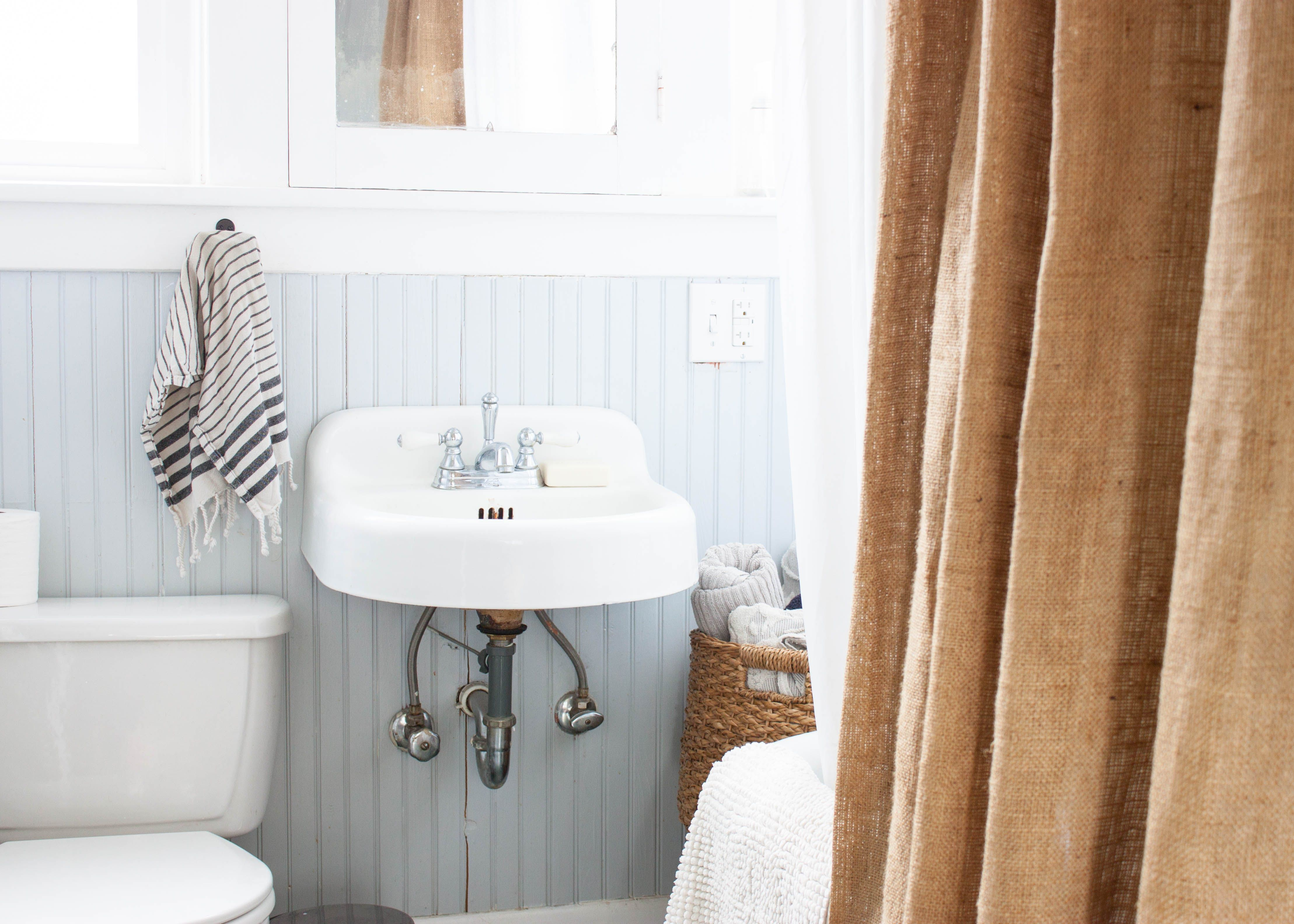 Burlap bathroom ideas - Burlap Bathroom Curtain
