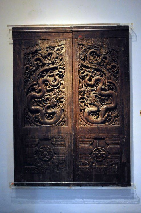 Dragon on timber doors of the Tran Dynasty 13th-14th centuries. & Dragon on timber doors of the Tran Dynasty 13th-14th centuries ... pezcame.com