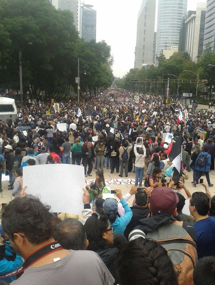 La manifestación a la altura del Ángel de la Independencia. Foto: Ilse García, SinEmbargo