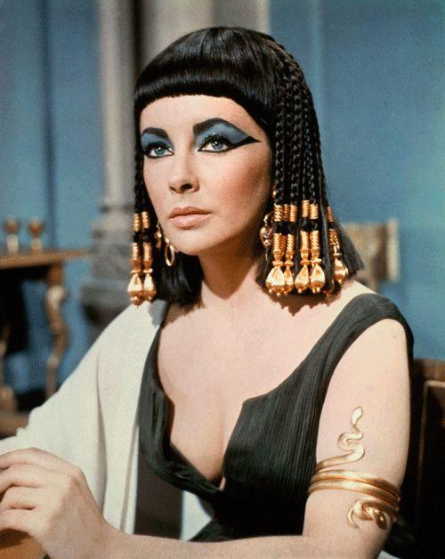 Cleopatre ( Elizabeth Taylor dans le rôle )