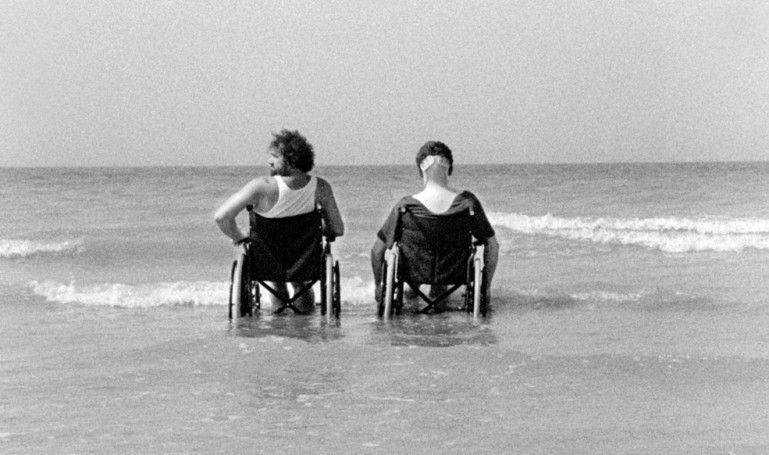 Aaltra, Gustave Kervern et Benoît Delépine (2004)
