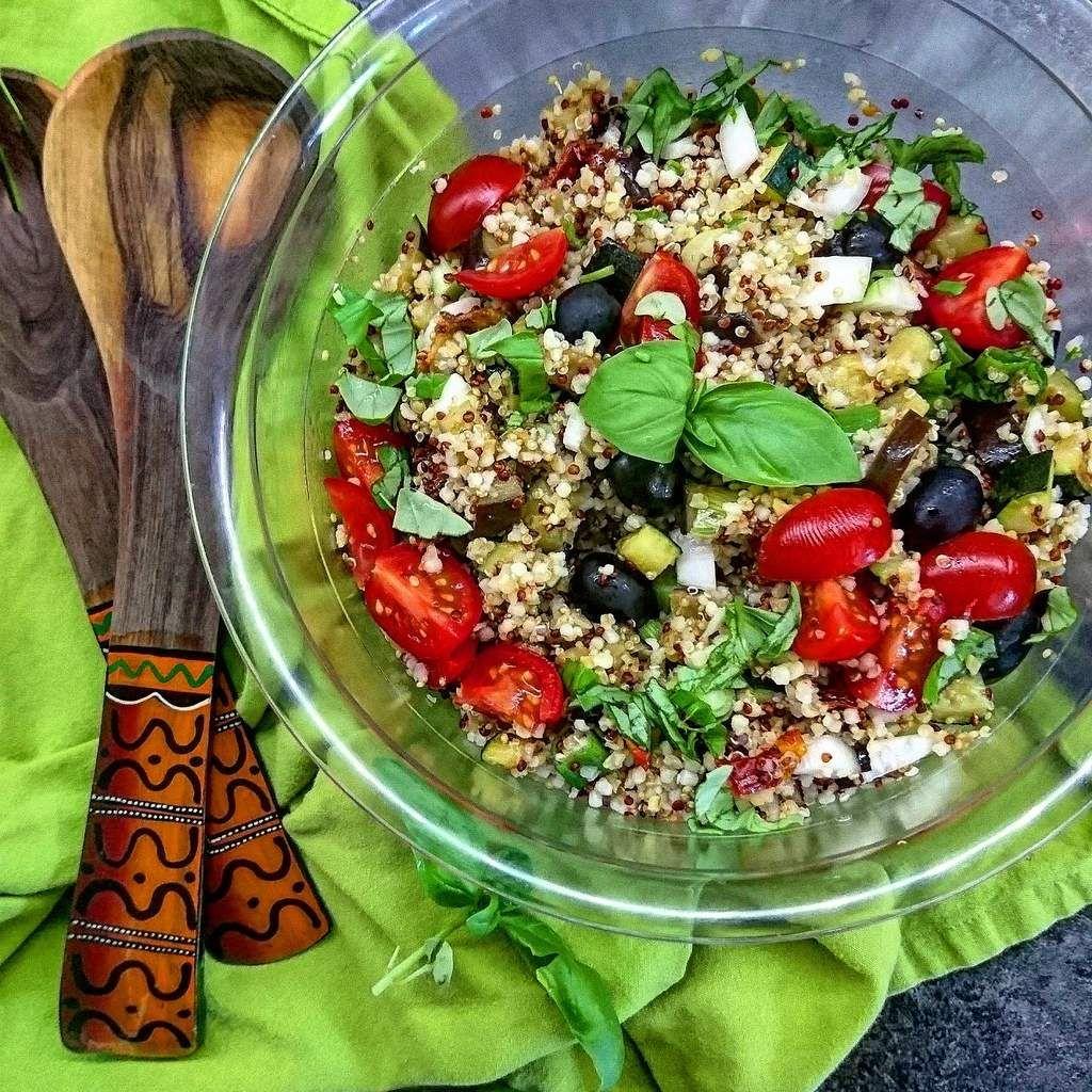 salade tiède de quinoa aux légumes grillés | idées recettes