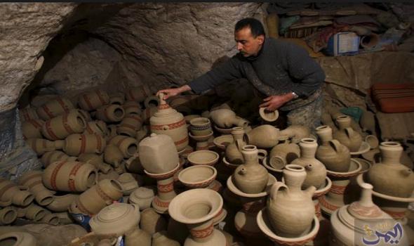 صناعة الفخار يدوي ا في فلسطين تواجه التخلي عن العادات القديمة Cowboy Hats Egypt Today Cowboy