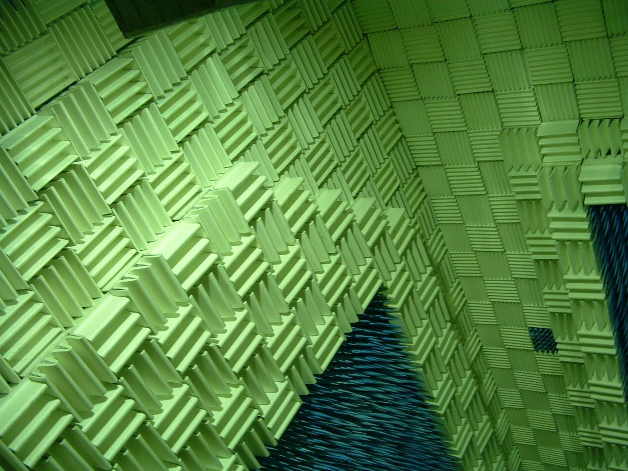 Pin by Compagnie O on Kortrijk Fuifzaal | Anechoic chamber