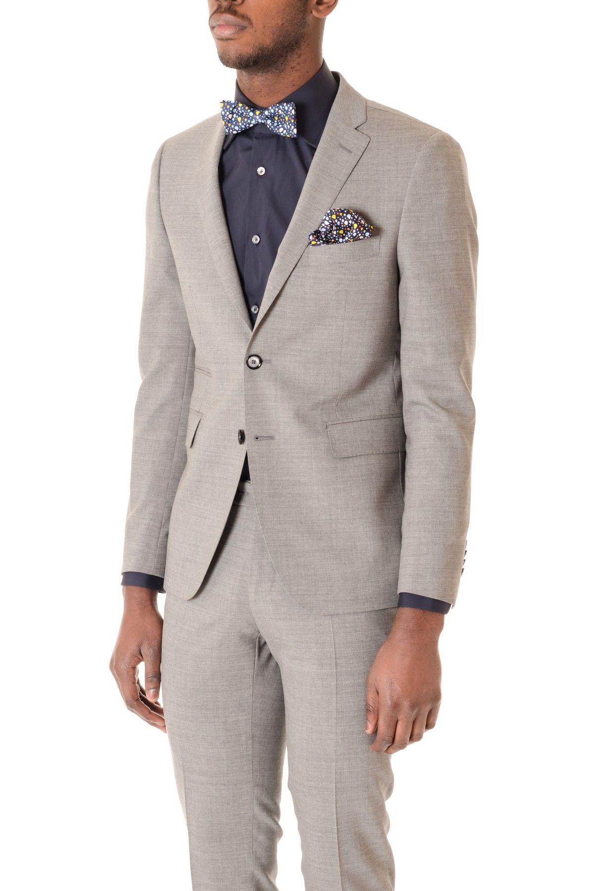 Vestito da uomo grigio chiaro