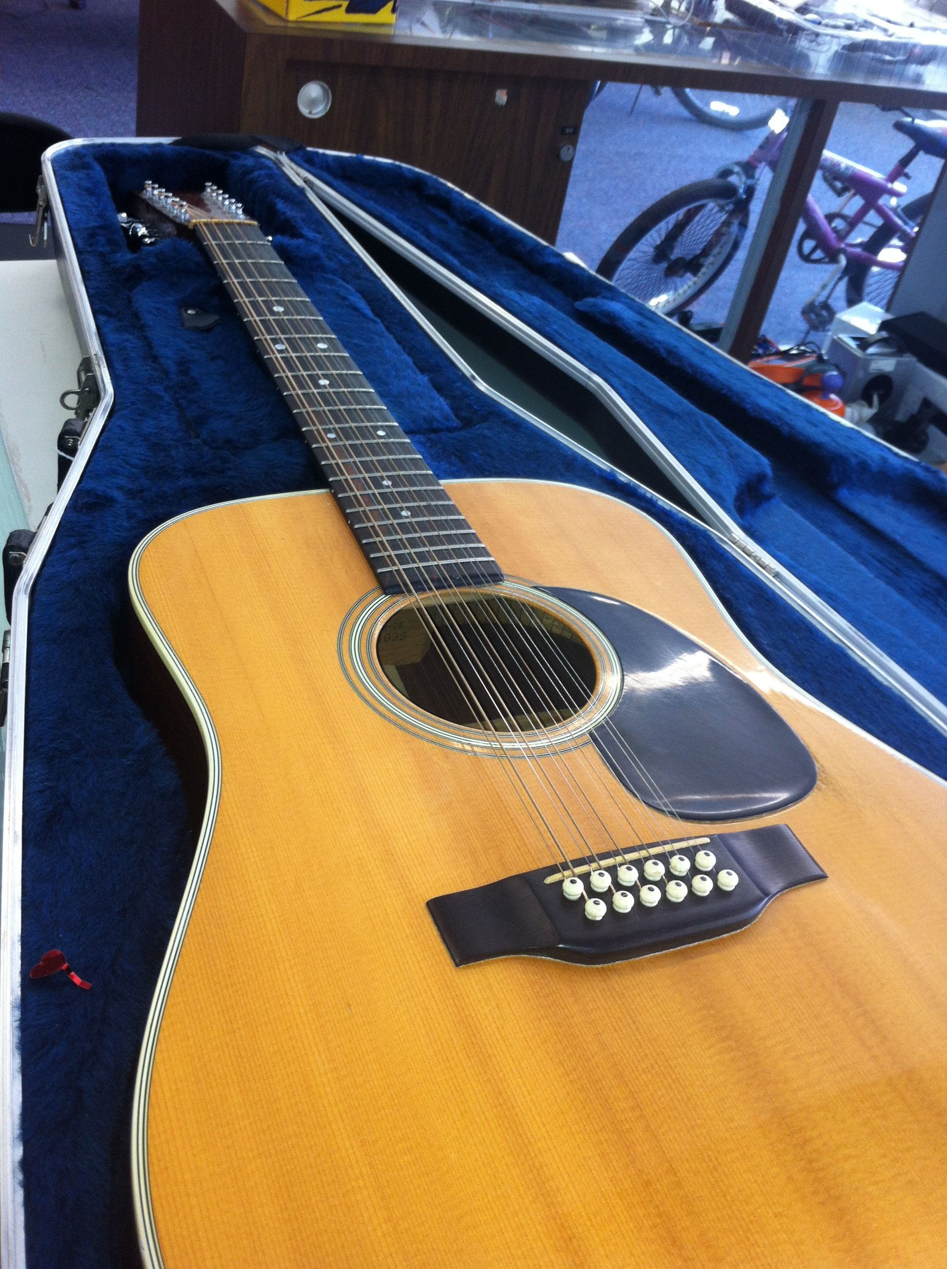 12 string martin acoustic guitar for sale city pawn shop 12 string acoustic guitar acoustic. Black Bedroom Furniture Sets. Home Design Ideas