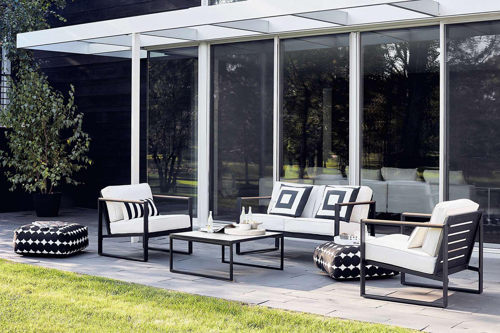 Fabulous Black + White Outdoor Finds at Target - 4-Piece Conversation Set