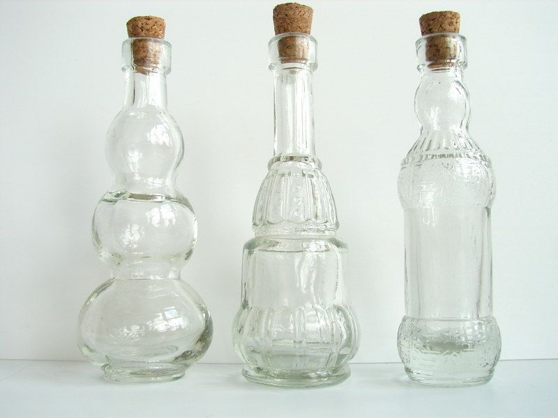 Decorative clear glass bottles with corks 5 tall set of for Colored glass bottles with corks