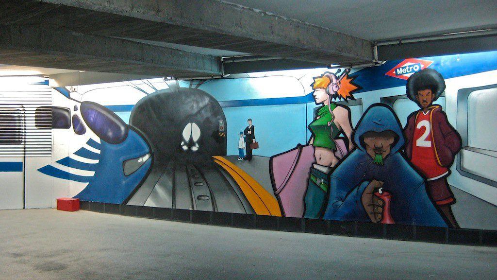 Pintura Mural en el Parking del Hotel Mercure Santo Domingo. C/ San Bernardo, 1