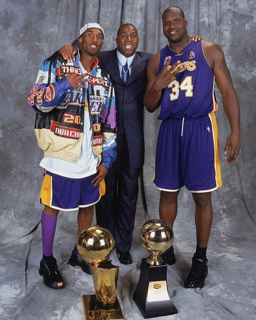 Iconic Basketball Moments On Instagram Kobe Bryant Magic Johnson And Shaquille O Neal Pose With The Mvp Trophi In 2020 Shaq And Kobe Kobe Bryant Shaquille O Neal
