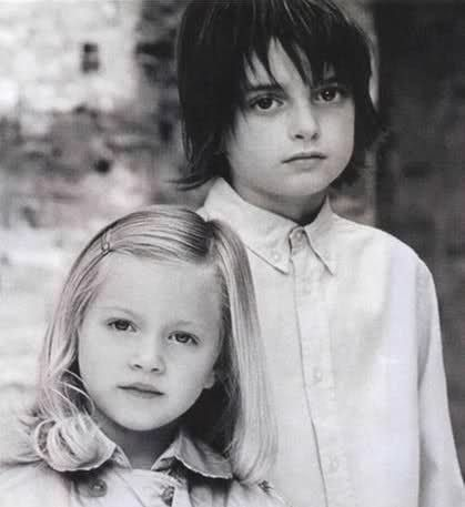 Peter Doherty And His Little Sister Rock The Casbah Pete Doherty