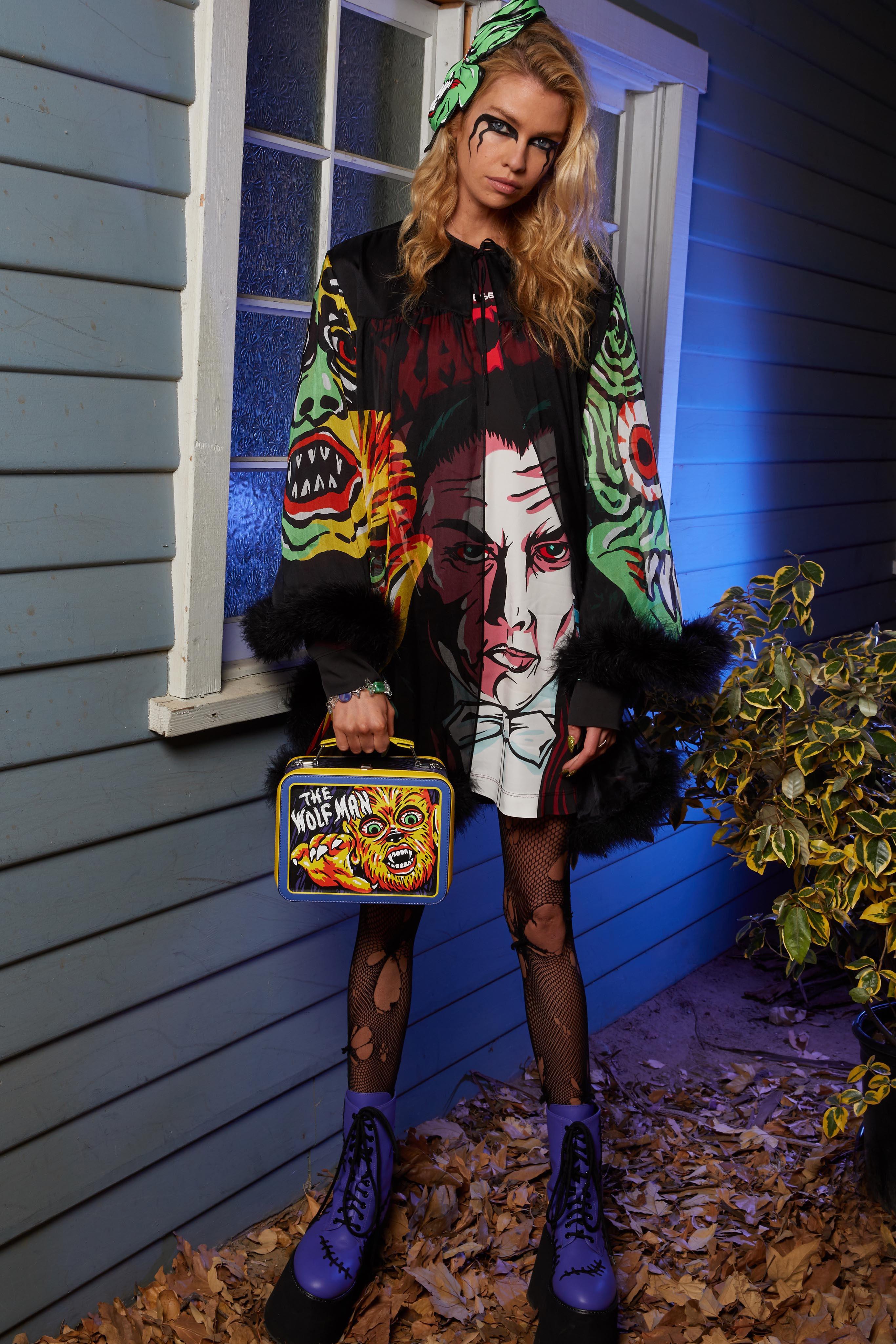 Halloween Show 2020 Moschino Resort 2020 Fashion Show | Halloween fashion, Fashion