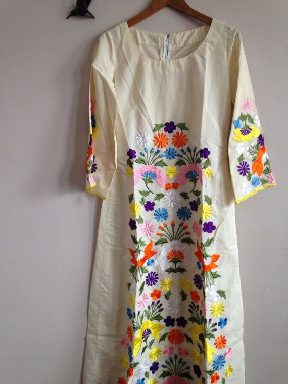 Vintage Hand Embroidered Gown-Medium by PearlBVintage on Etsy