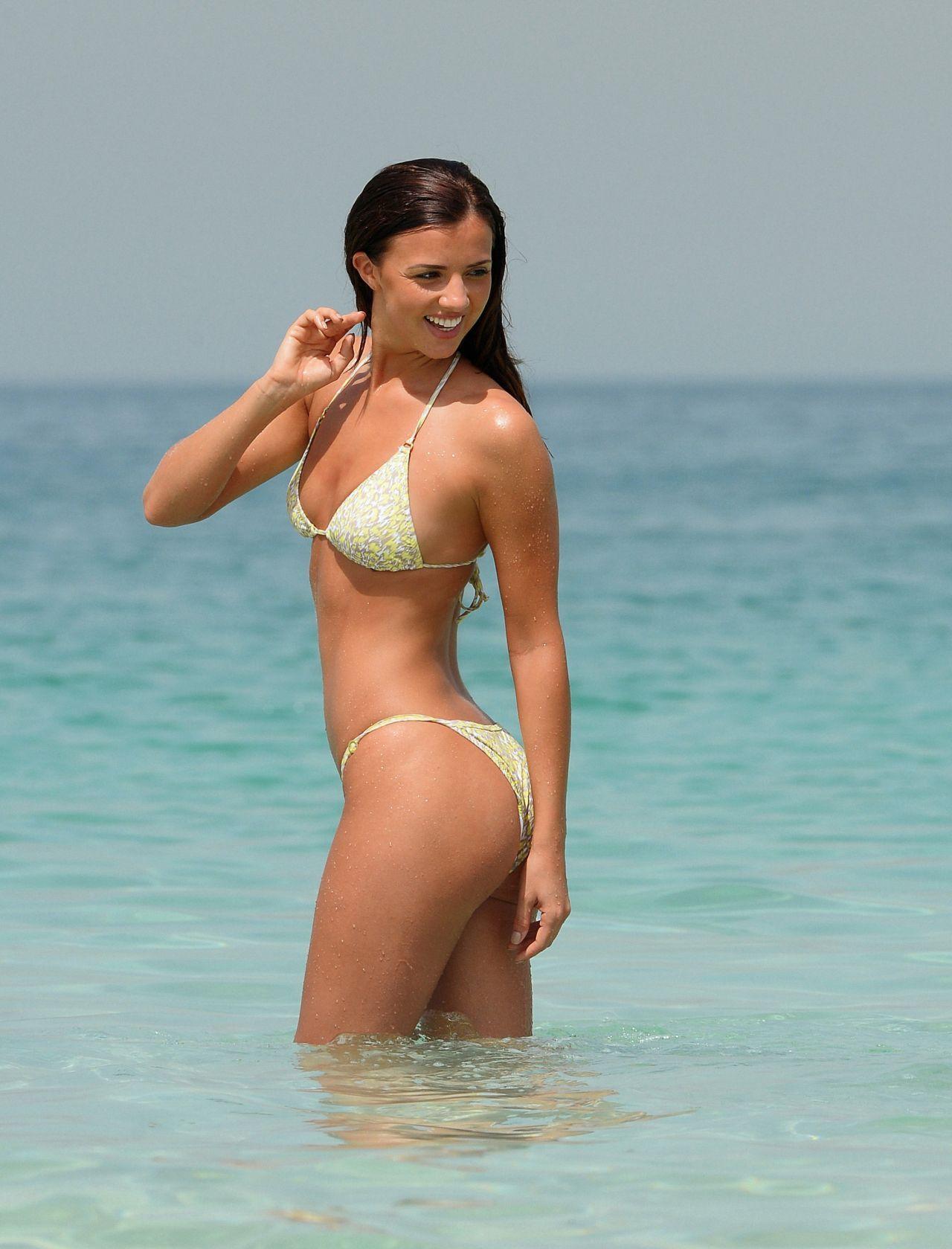 Lucy Mecklenburgh Bikini Hot Pics Dubai April 2015 3 Jpg
