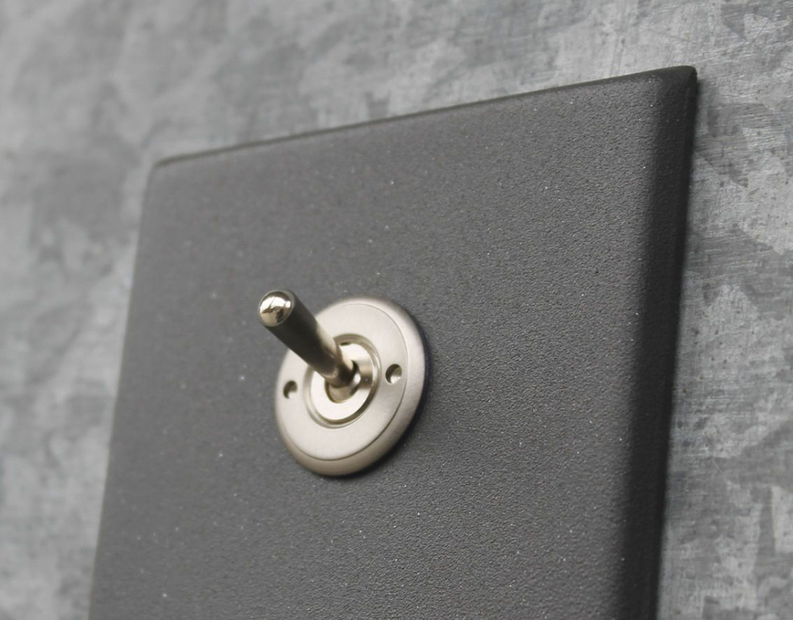 interrupteur bouton poussoir levier en acier de style industriel forja llins bcn - Interrupteur Style Industriel