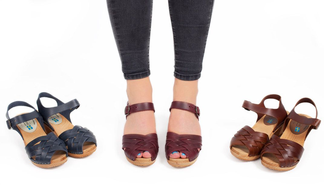 New Moheda Betty Clogs in Pull up