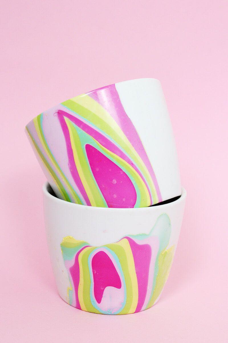diy tassen mit nagellack marmorieren sp lmaschinenfeste anleitung diy basteln selbermachen. Black Bedroom Furniture Sets. Home Design Ideas