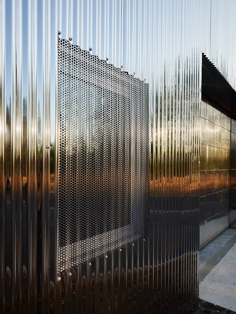 Freaks Wraps A Double Skin Of Corrugated Stainless Steel Around Office Building In France Architecture Facade Architecture Metal Facade