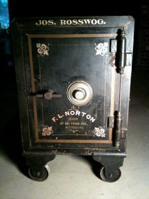 Best 25 Antique Safe Ideas On Pinterest Bank Safe Safe