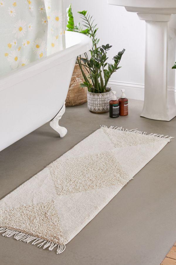 Looped Geo Runner Bath Mat Bathroom Rugs Bathrooms Remodel Bathroom Interior