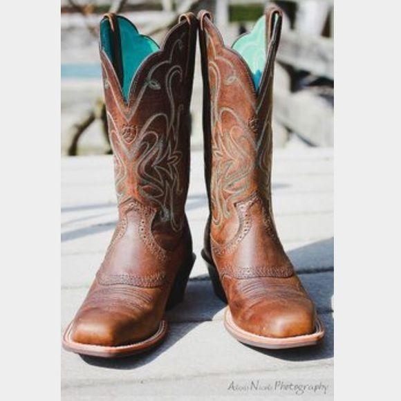 a968d8d661b Gently used ariat cowboy boots I love these ariat boots! I've only ...