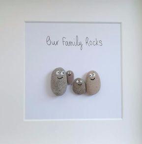 Photo of Pebble Bilder, Pebble Familie, Pebble Kunst, handgemachtes Geschenk, Wohnkultur, neues Zuhause, Hochzeitsgeschenk, Geburtstag, Geschenk für sie, Geschenk für ihn
