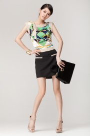 Online dresses in Singapore are of high quality and are just the same as what you would buy if you were in Singapore.