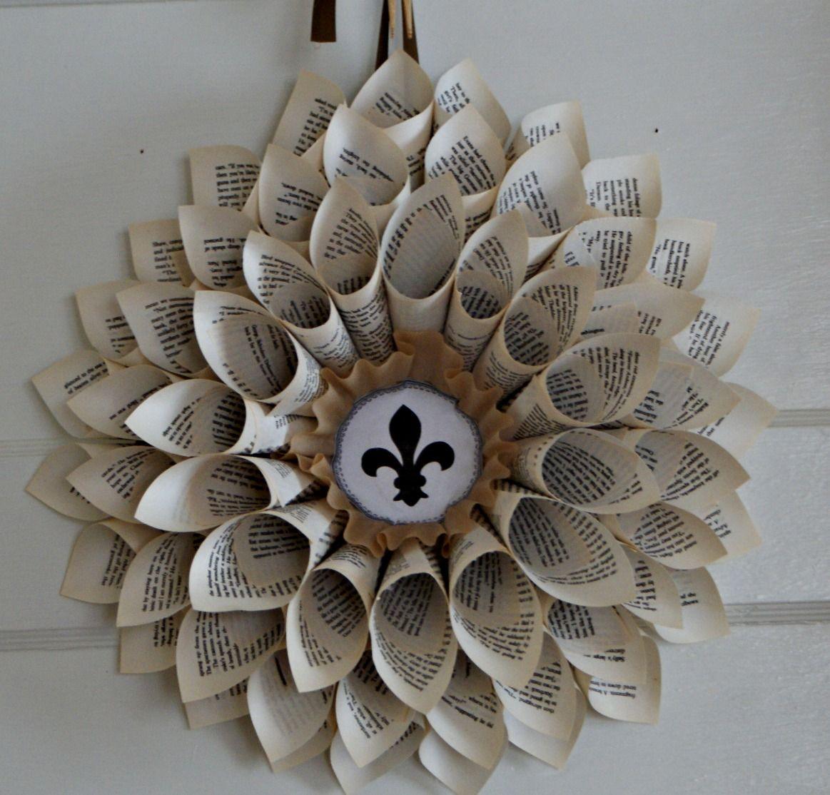 Do it yourself paper christmas decorations - Rough Luxe 10 Beautiful Diy Book Page Christmas Decorations You Can Make Yourself