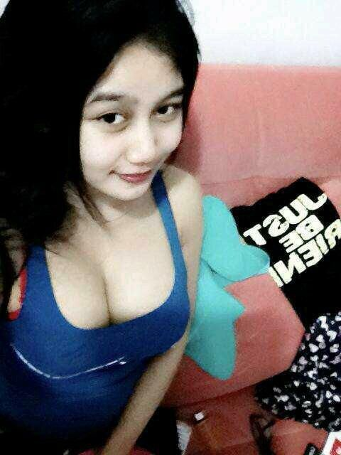 Gambar Hot Dua Cewek Toge Pamer Buah Dada Montok Foto Narsis Dou Gadis Cantik Payudara