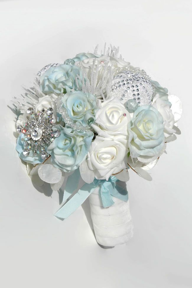 10 Best Bouquets For Your Winter Wedding Our Wedding