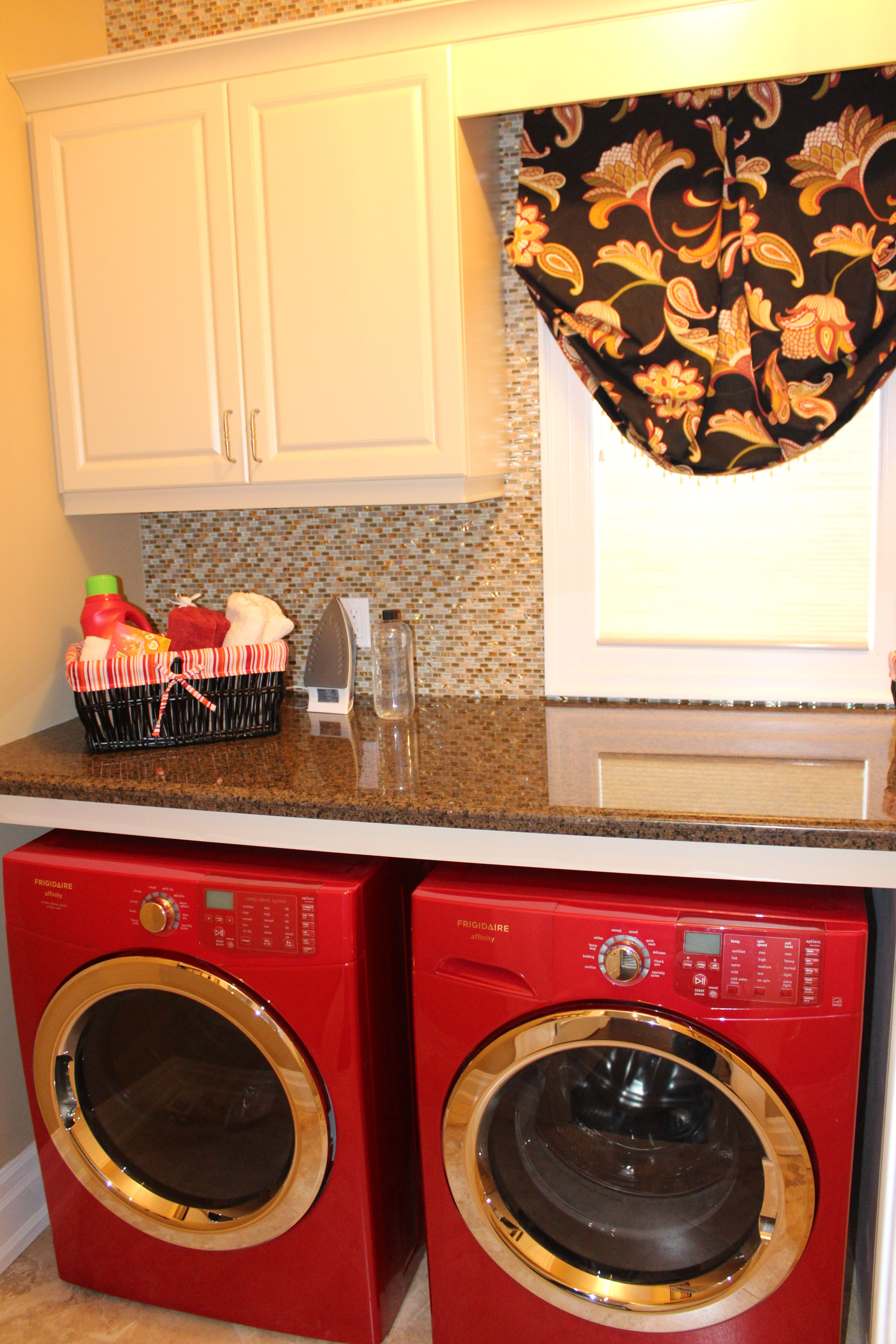 Florentine Single Home Laundry Room Is Shown On The Main