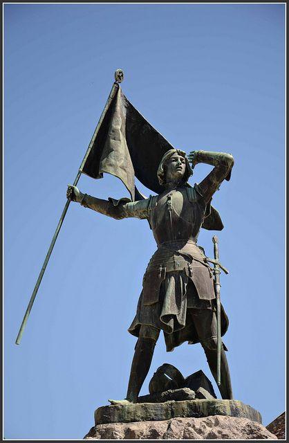 Jeanne D'Arc Statue - Jeanne d'Arc à la Bataille de Jargeau  (Jeanne d'Arc at the Battle of Jargeau).