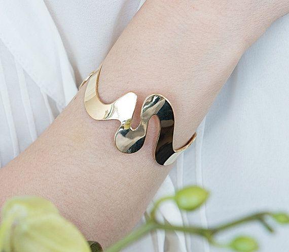 Gold bangle By Kelka Jewelry