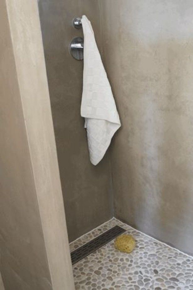 grijs beige/ Greige mooie rustige kleur. Badkamer in marmerstuc ...