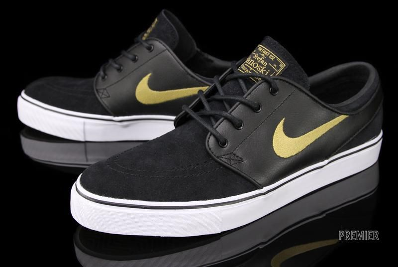 timeless design 8947c 936ea Nike SB Zoom Stefan Janoski - Black   Metallic Gold