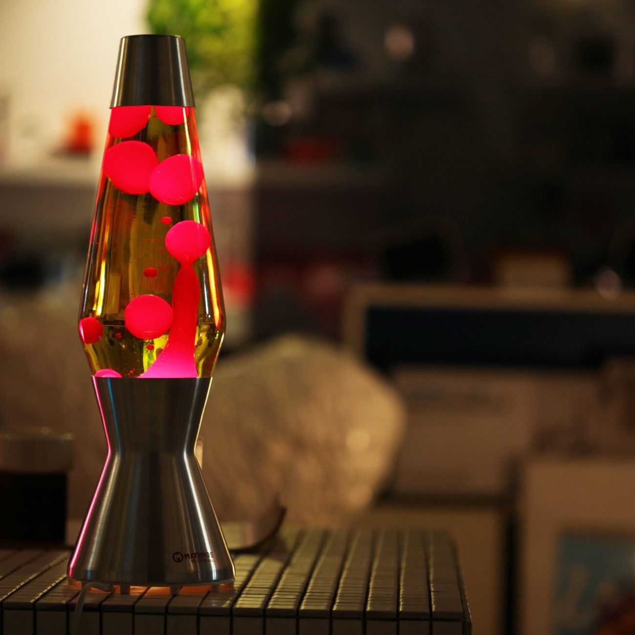 Lava lamp wattage - Emo Mathmos Creative Living Room Bedroom Home Decorative Lighting Fixtures Astro Lava Lamp Yellow Red