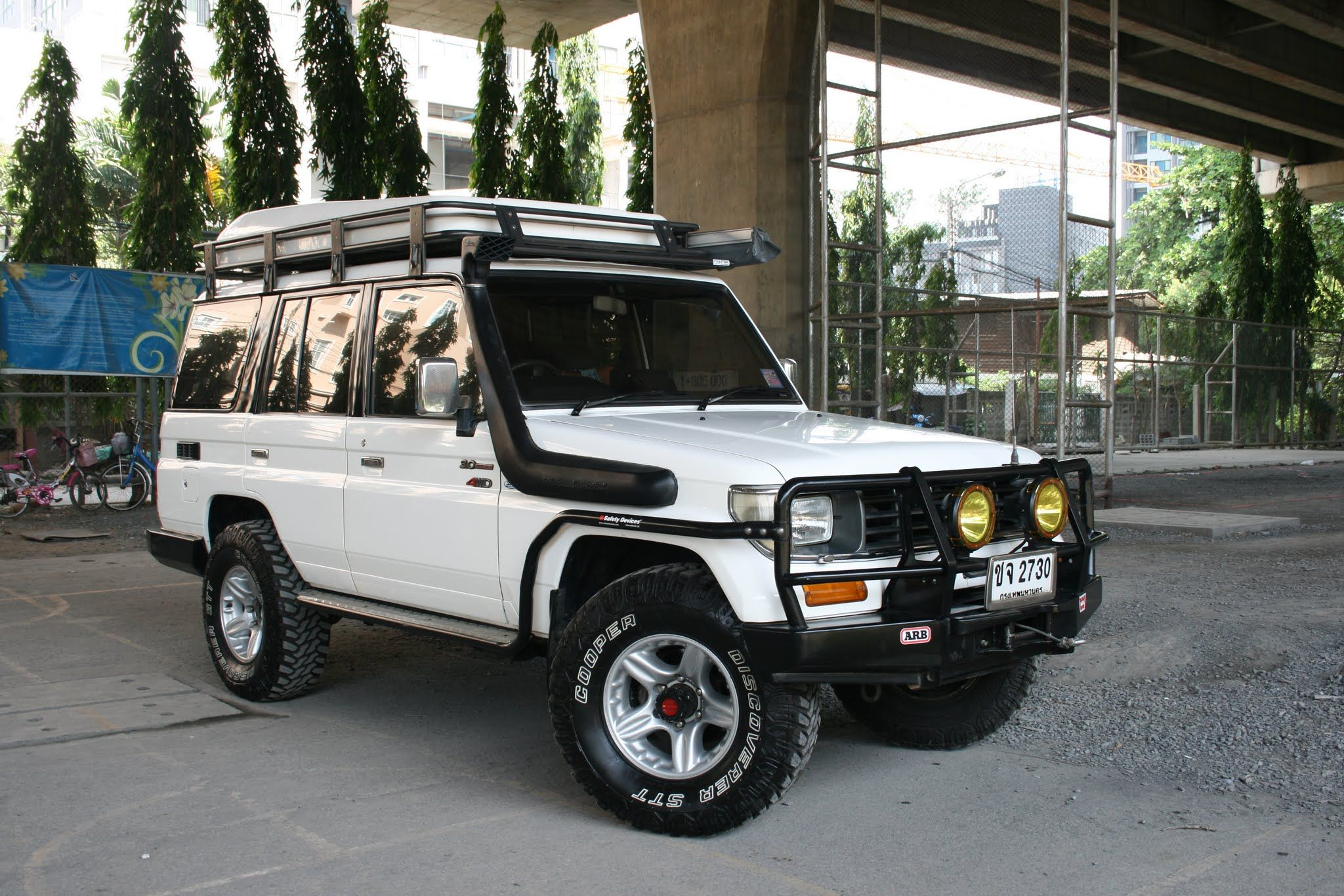 Toyota Land Cruiser LJ78 Expedition car 3000cc KZ turbo