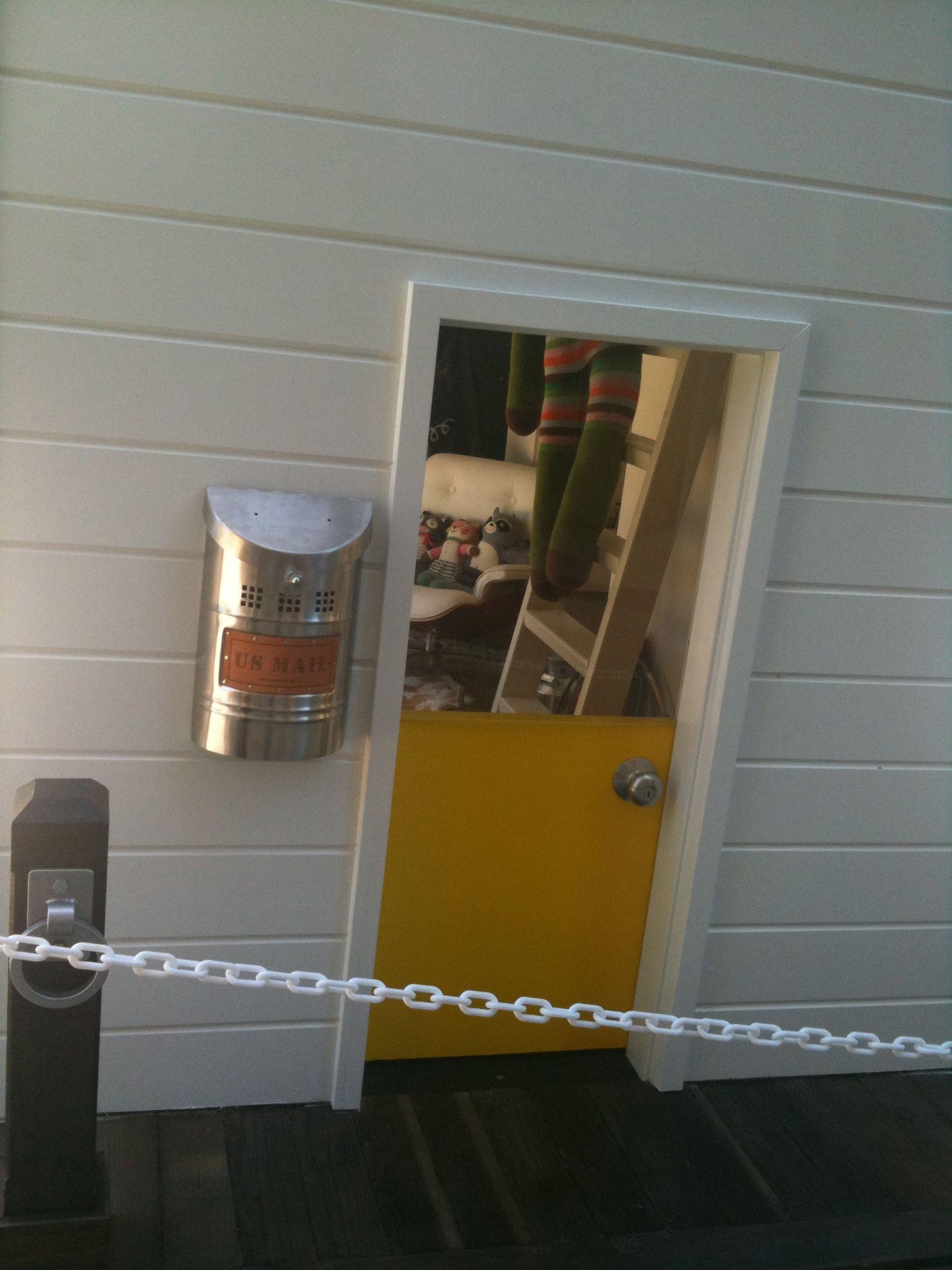 Superbe Playhouse Door And Mailbox