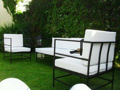 Muebles de hierro para jardin terraza balcony for Muebles para patios interiores