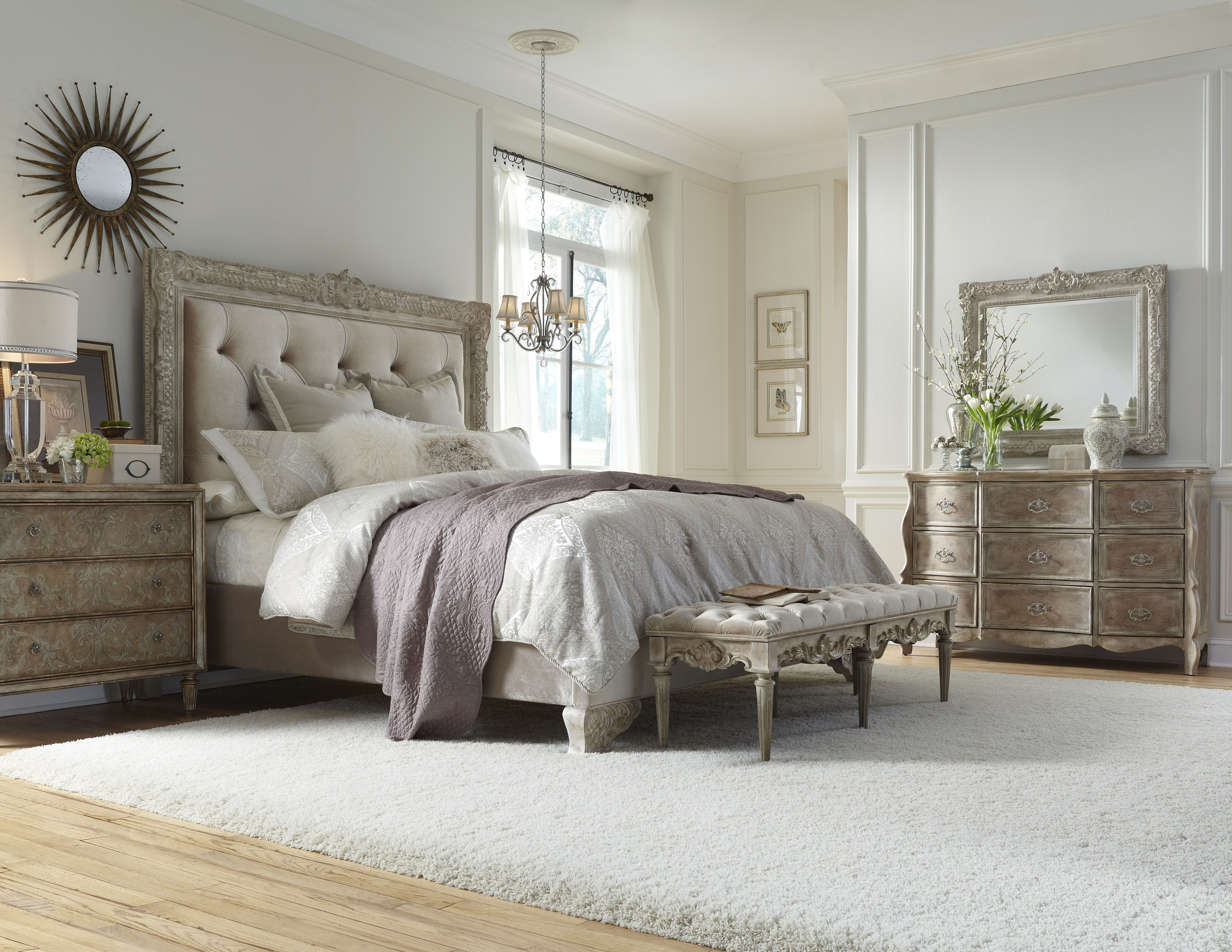 Accentrics Home By Pulaski Furniture Bedroom Set.