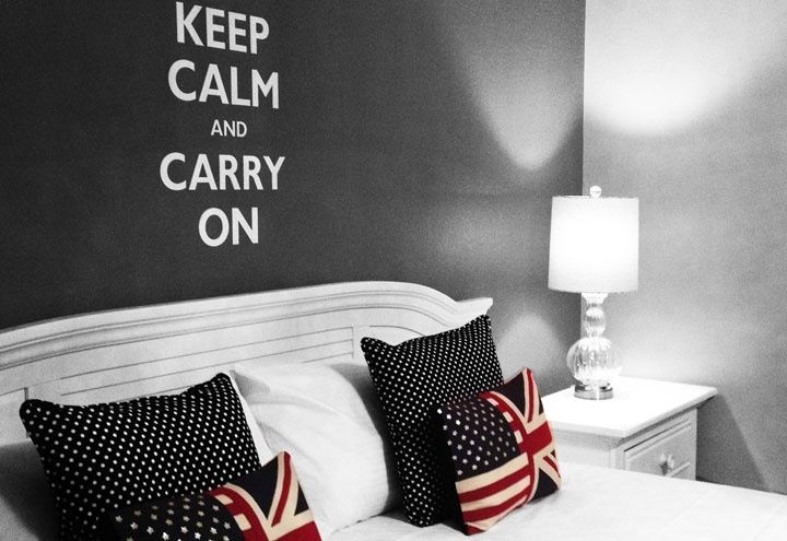 I'm in loooove with these pillows! They would be pretty easy to make!