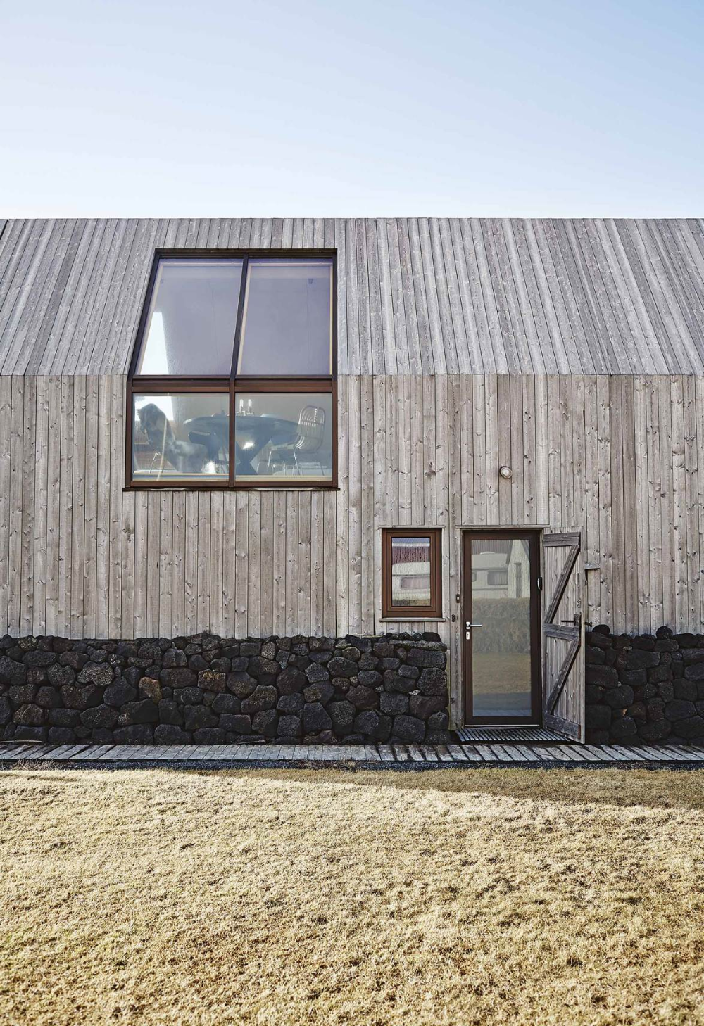 A Nordic barn in Iceland is now the perfect modern home