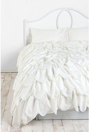 Stitched Scallop Ruffle Duvet Cover Ruffle Duvet Cover Ruffle Duvet Duvet Covers Urban Outfitters