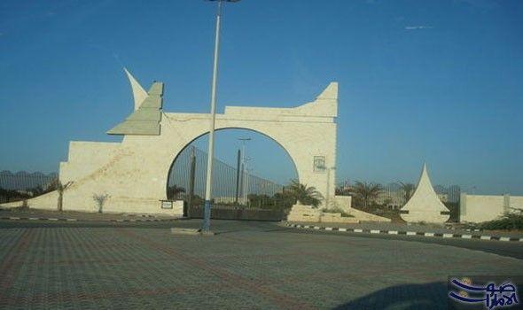 عميدة كلية آداب الحديدة تؤكد سلب عائدات كشفت صباح أمير الدين الحوثي عميدة كلية الآداب في جامعة الحديدة في الأكاديمية اليمنية أن Landmarks Louvre Building