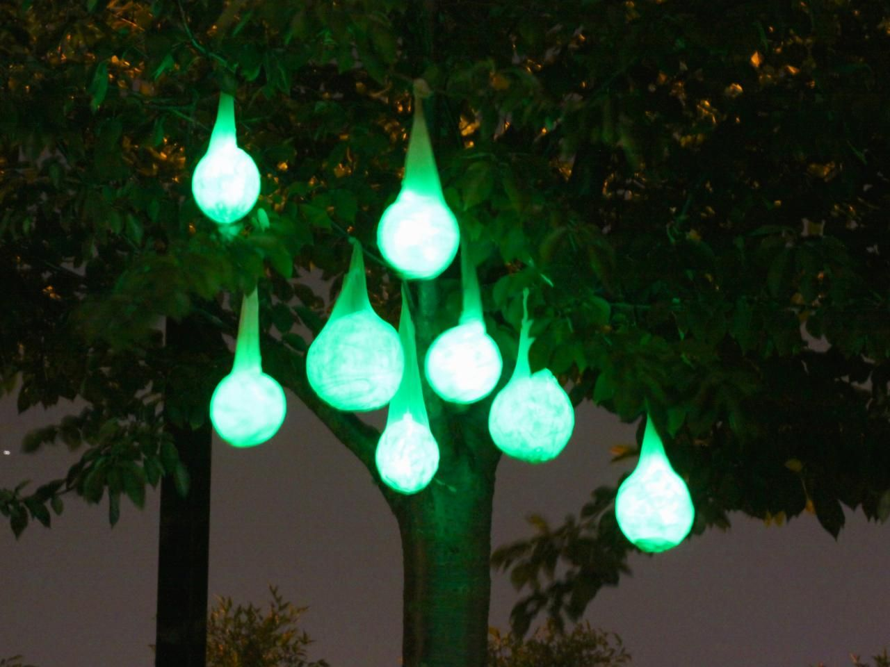 how to make glowing halloween light pods - Outside Halloween Party Ideas