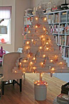weihnachtsdeko tipp no 4 weihnachtsbaum aus alten holzlatten basteln pinterest. Black Bedroom Furniture Sets. Home Design Ideas
