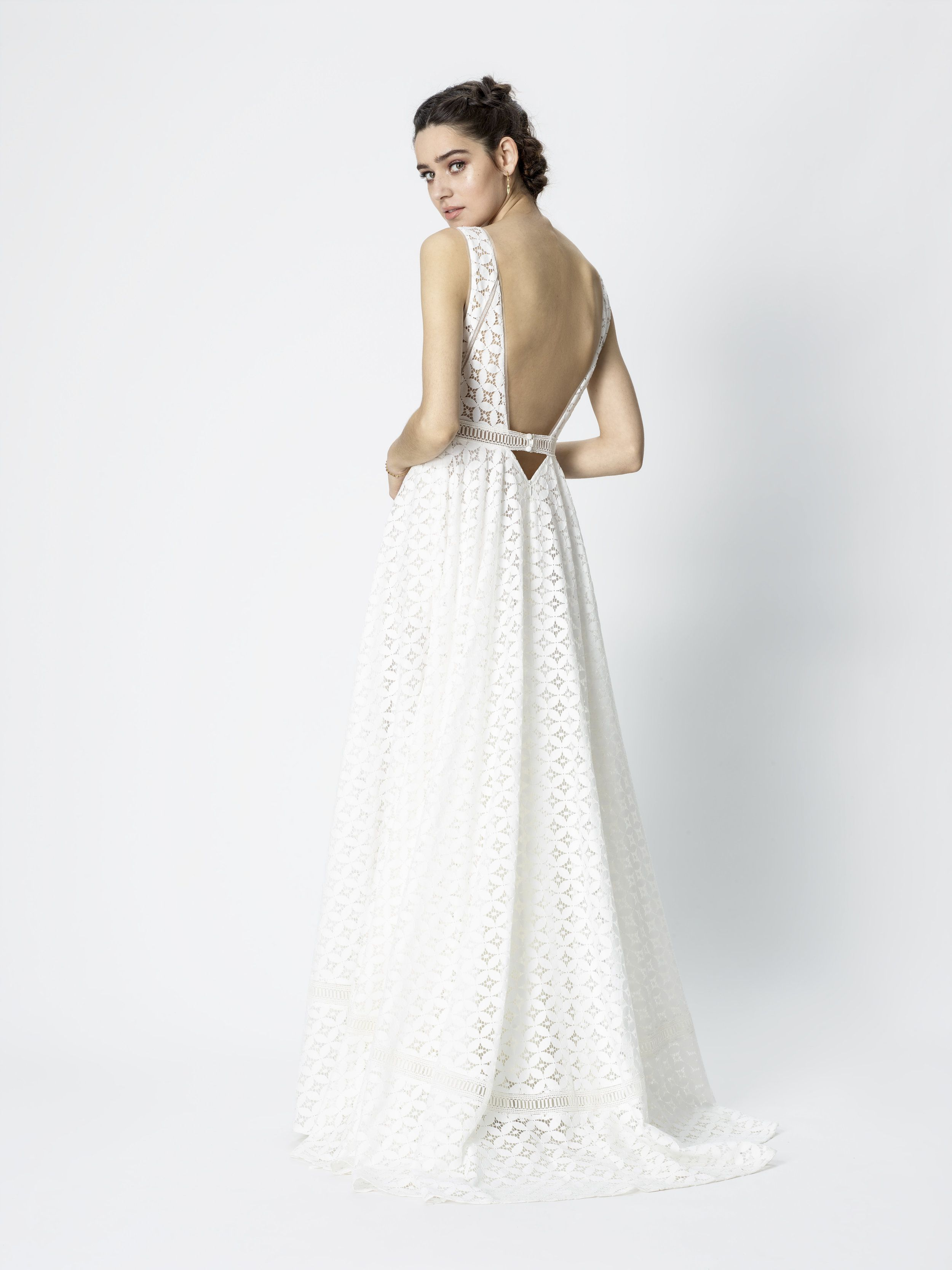 Rembo Styling Glory Ricks The Low Backed Wedding Dress Look All Over Lace In A Boho Style
