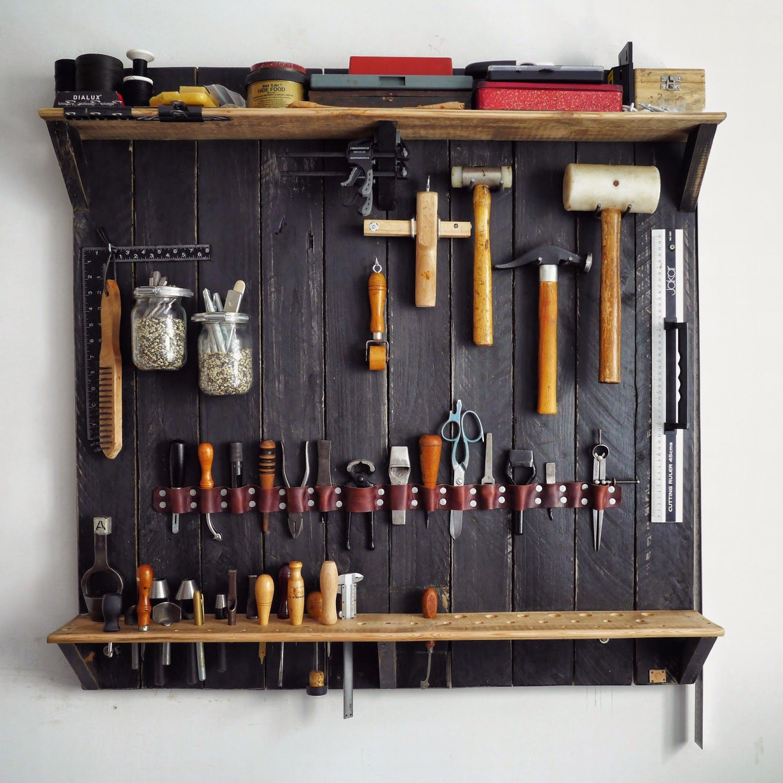 a wall mounted rack for my leatherworking tools organization pinterest atelier tablis et. Black Bedroom Furniture Sets. Home Design Ideas